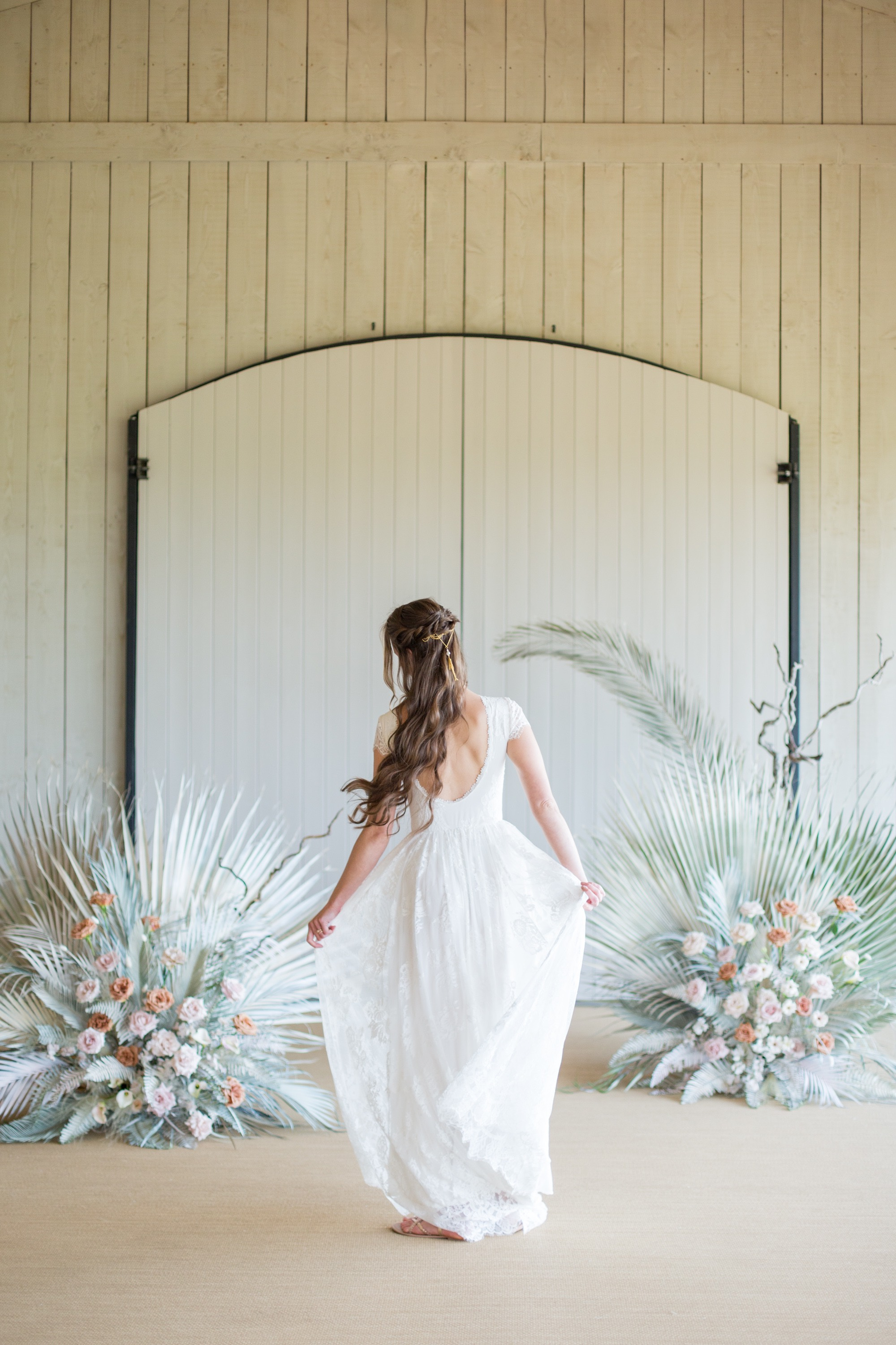 Flowing movement in this romantic, relaxed wedding dress